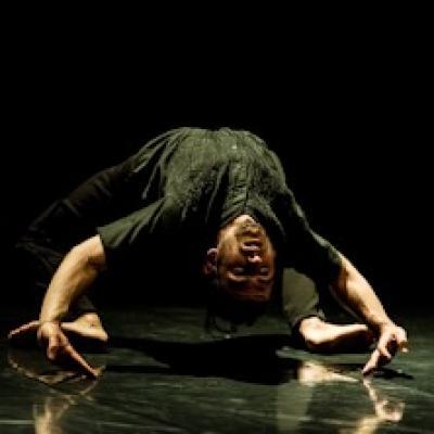 danzatore della E.sperimenti Dance Company