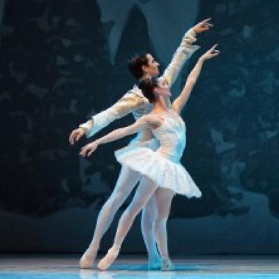 ballerini in scena Lo Schiaccianoci