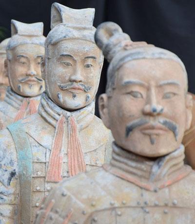 alcuni guerrieri dell'esercito di terracotta