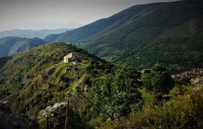 vista dal castello della Chiesetta sul monte Asprano