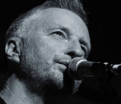 Billy Bragg in concerto al Carroponte