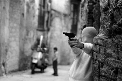 Letizia Battaglia il gioco del killer vicino alla chiesa di Santa Chiara palermo 1982